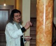 Colonna finto marmo
