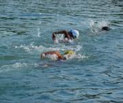 Nuoto in un laghetto