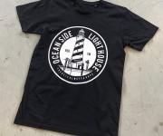 Stampa serigrafica su maglietta scuro