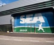 Applicazione di logo su facciata azienda Sea Group - Trento
