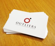 outliers-bigliettini-da-visita-1-maniac-studio