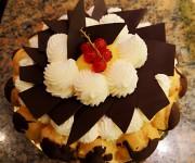 Torta bignè panna e cioccolato Pasticceria Buonarroti