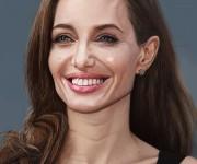 Angelina Jolie_01_rez
