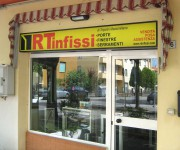 RT infissi - insegna