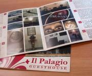 Brochure formato 21x21 con piega centrale