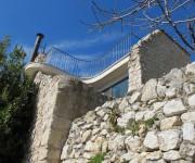 il giardino pensile con le parete a rudere- Abruzzo