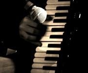 Tre cose sono necessarie per un buon musicista: la testa, il cuore e le dita